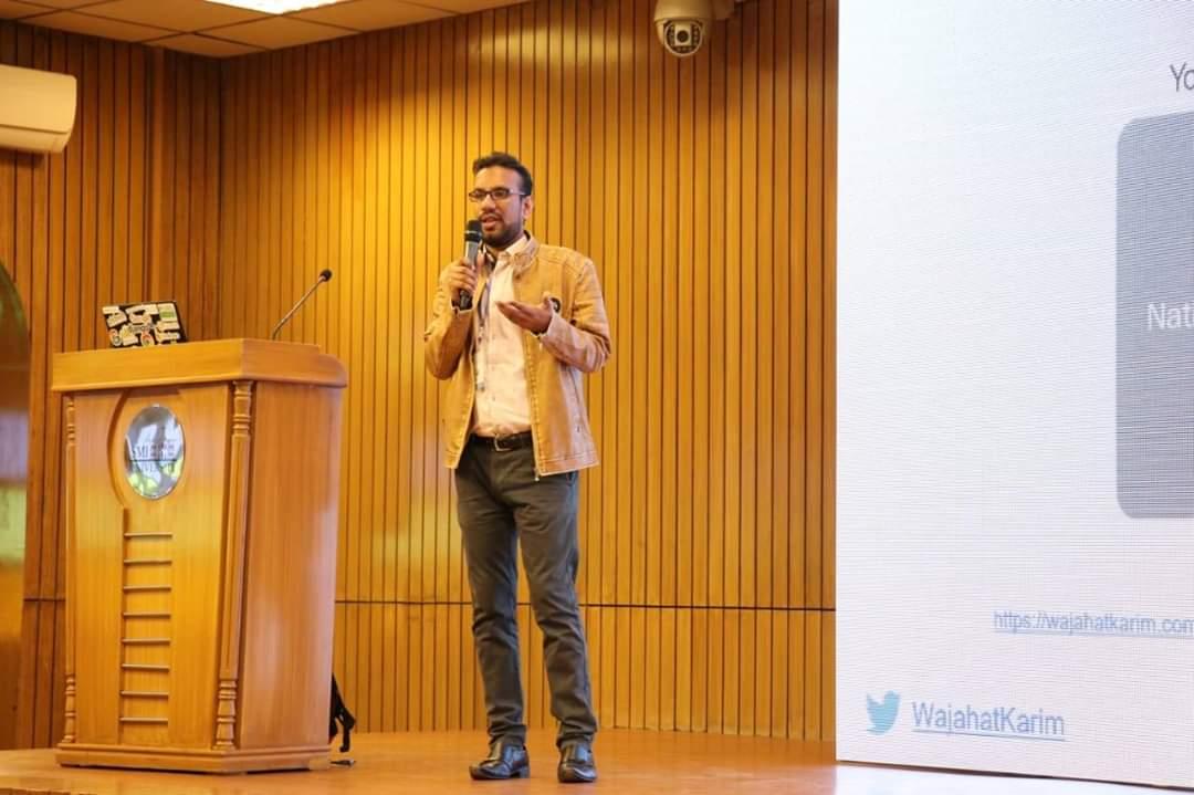 Me giving a talk at Flutter Study Jam at SMIU University, Karachi